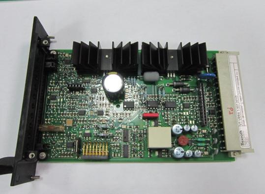 其中单片高精度集成运算放大器的失调电压可小到几微伏,温度漂移小到