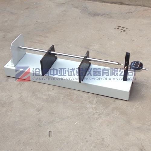 底座为钢结构部件,用于安放砼试块之用