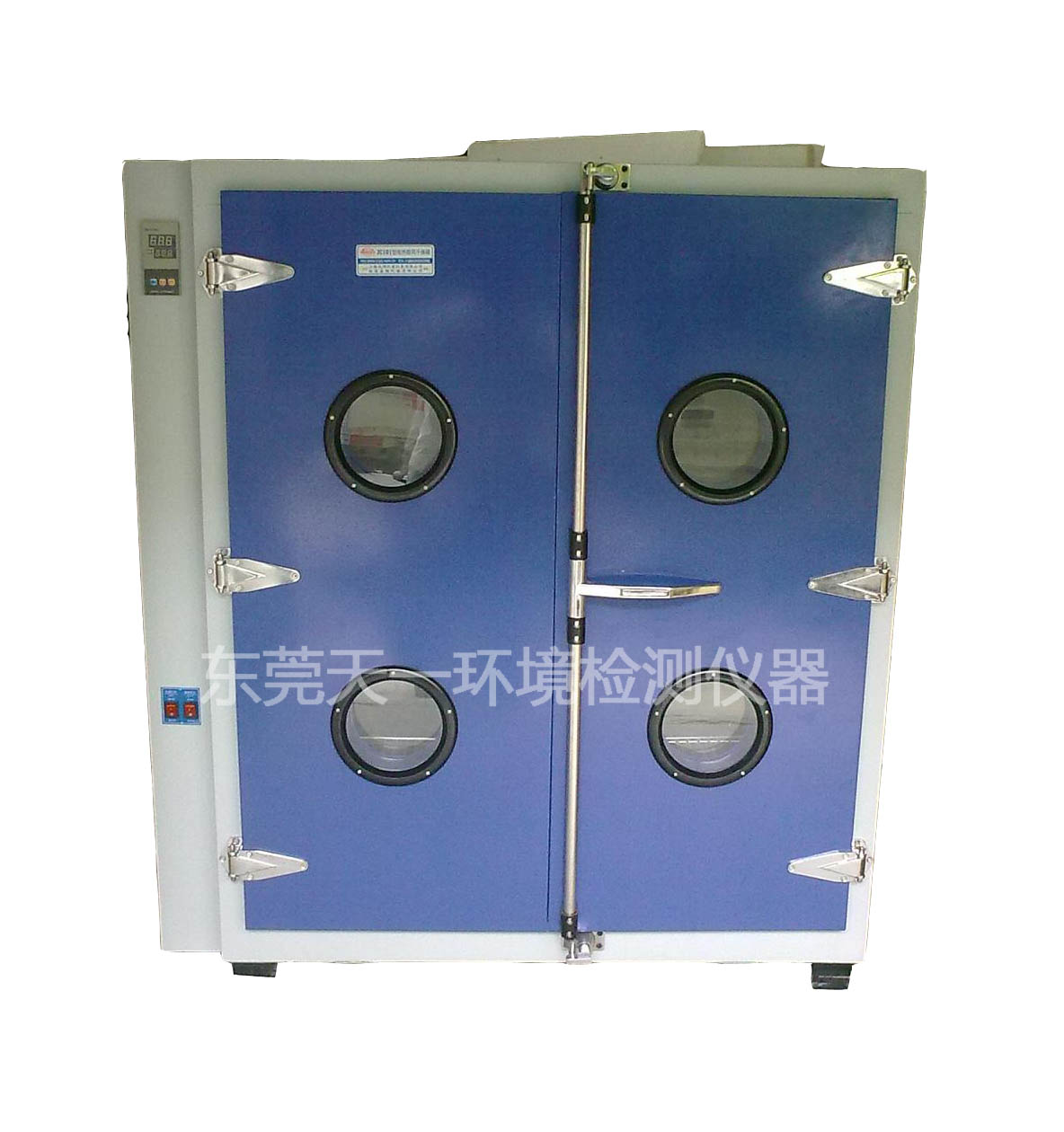 供应全国各省市真空干燥箱工业烤箱结构简介: 1、内胆为进口(SUS304)优质镜面不锈钢板。 2、外胆均采用优质(t=1mm)A3钢板数控机床加工成型,外壳表面进行喷塑处理,更显光洁、美观.(现 以升级为圆弧型边角) 3、保温材质:高密度玻璃纤维棉.保温厚度为80mm 4、搅拌系统:采用长轴风扇电机,耐高低温之不锈钢多翼式叶轮,以达强度对流垂直扩散循环.